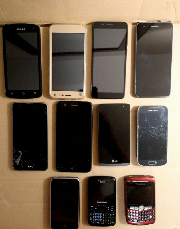 Lot Of 11 Cell Phones For Parts Or Repair