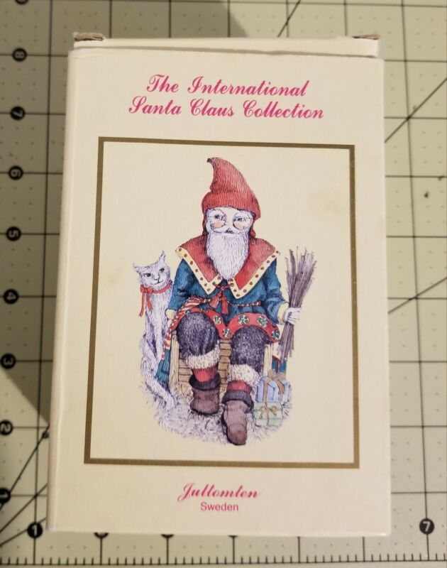 THE INTERNATIONAL SANTA CLAUS COLLECTION Figurine - SWEDEN - SC13