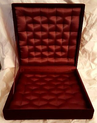 (Elegant Red Velvet Jewelry Box - 10