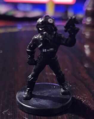 Star Wars Miniatures - Imperial Pilot 22/60 + Card Legacy of the Force Free P&P