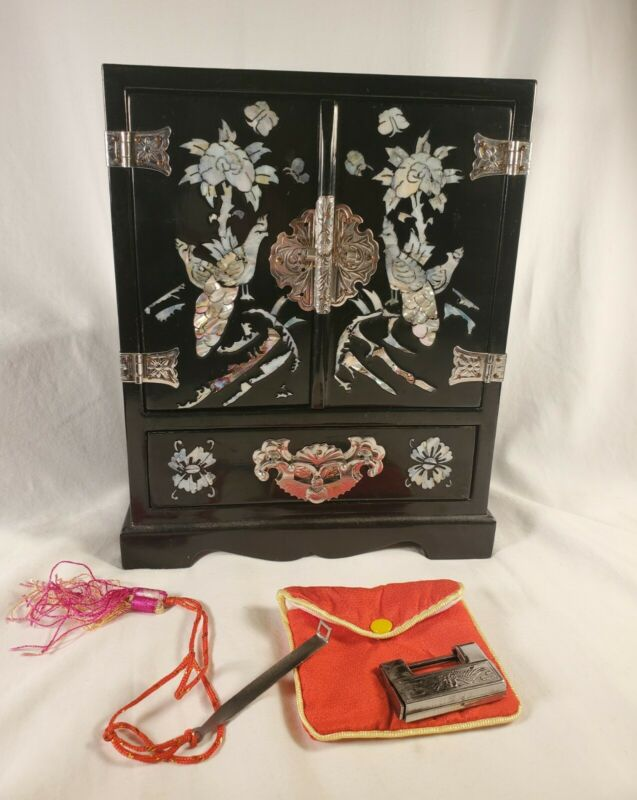 Vintage Asian Blk. Laquer Jewelry Box, Mother Of  Pearl Inlay With Lock And Key!