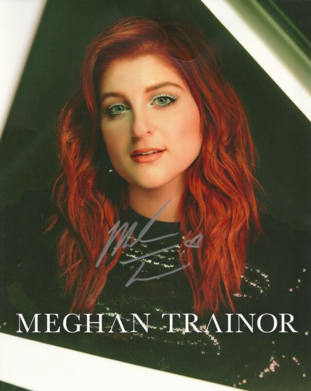 Meghan Trainor Untouchable Tour VIP Merchandise Autograph Signed Photo & Journal