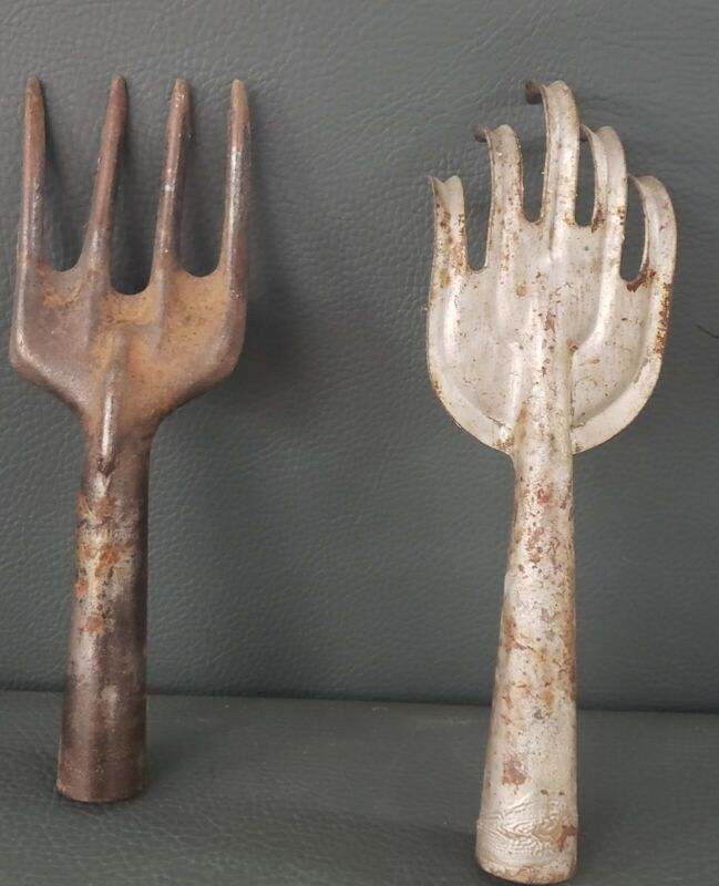Vintage Metal Garden Tool Lot Of 2