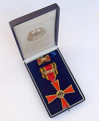BRD -Bundesverdienstkreuz- 2. Klasse für 50. Arbeitsjahre im Etui Juncker Berlin
