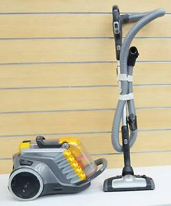 Electrolux UltraCaptic ZUC4102ANC Bagless Vacuum Cleaner #713279 Ipswich Ipswich City Preview