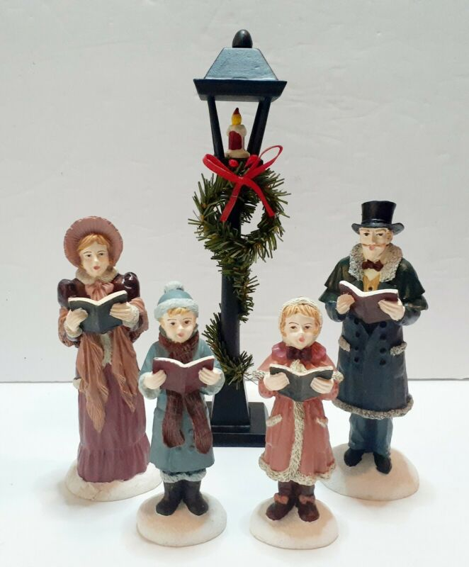Resin Caroler Family With Lamp