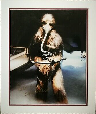 STAR WARS SIGNED PETER MAYHEW AS ' CHEWBACCA ',  A NICE PIECE !