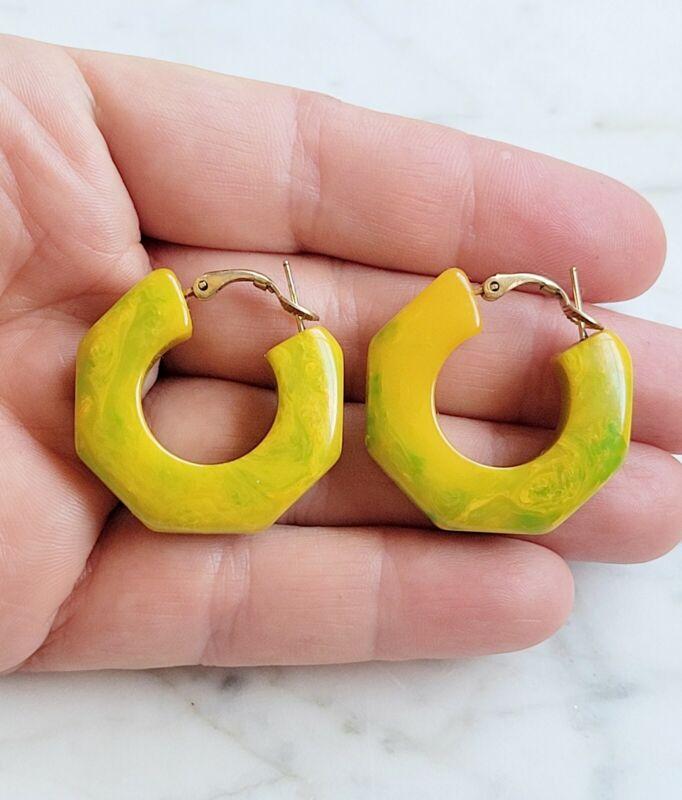 Vintage Yellow Green Swirl Bakelite Marbled Hoop Pierced Earrings 1940s 50s MCM