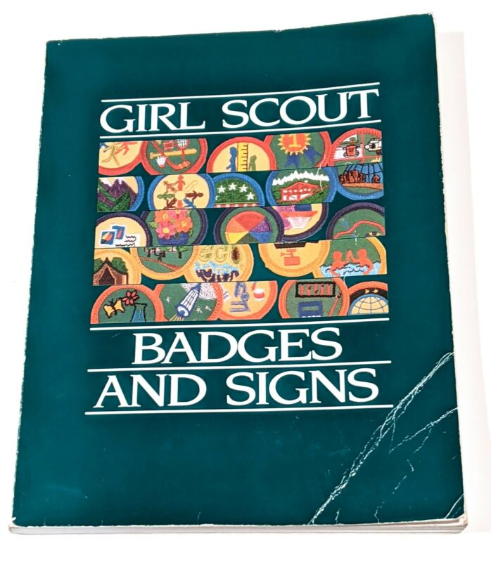 Girl Scout Badges And Signs Book, 1990 First Edition, Junior Level