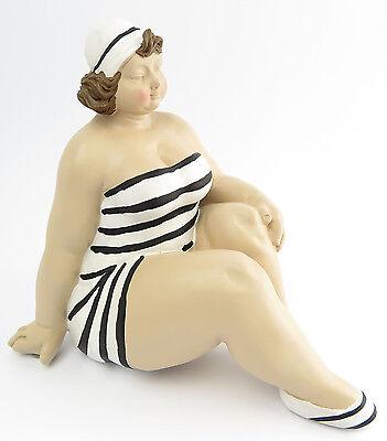 Dekofigur Mollige Frau Badeanzug Retro Art Frauenfigur Dicke Akt Badepuppe