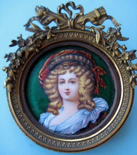 ANTIQUE FRENCH LIMOGES ENAMEL PLAQUE ORIGINAL FRAME BEAUTIFUL SOCIETY LADY