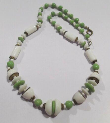 "TRUE VINTAGE ART DECO GREEN & WHITE GEOMETRIC GLASS BEAD CHOKER NECKLACE 16"""