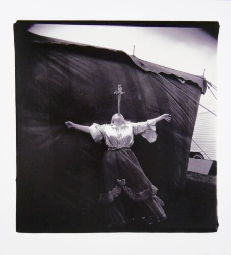 ORIGINAL 1999 LITHOGRAPH OF 1970 PHOTO CARNIVAL SWORD SWALLOWER BY DIANE ARBUS