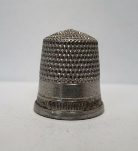 Vintage-Antique-Goldsmith Stern Co-Little Stripes-Sterling Silver-Thimble-Size 9