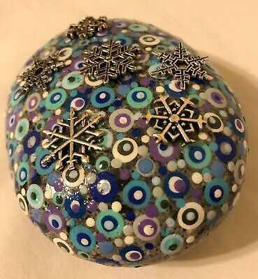 Hand Painted Rock Dot Painting Snowflake Charms Paperweight Decoration Hand Painted Snowflake