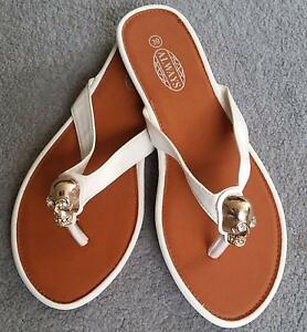 NEW THONGS SIZE 39!!!!!!!!!!!!!!!!! Narrabeen Manly Area Preview