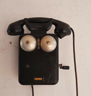Antico telefono a manovella