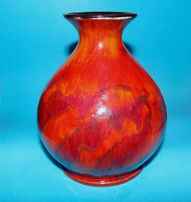 Cobridge (from Moorcroft) stoneware pottery flame pattern  vase  (7587)