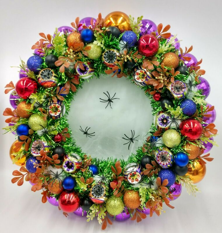 Creepy Spider Garden Halloween Wreath