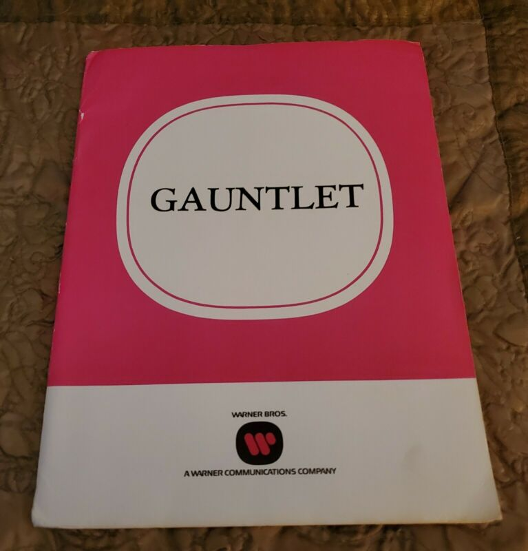 """1977 """"THE GAUNTLET"""" Clint Eastwood Orig MOVIE STUDIO PRESS KIT With (7) Photo"""