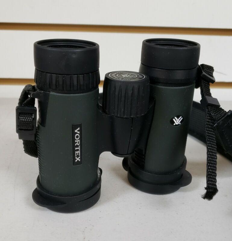 Vortex 8x32 Diamondback HD Roof Prism Binoculars