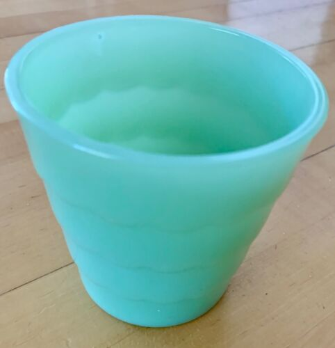 "JADITE GREEN PLANTER -  SCAL0PPED -  VINTAGE - 3 3/4"" X 3 3/4""."