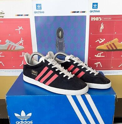 Adidas Gazelle og Size 7 Deadstock 2013 Release Black/red/white
