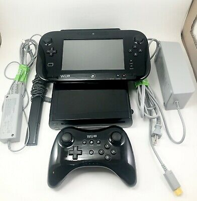Nintendo Wii U - 32GB - Black with Pro controller