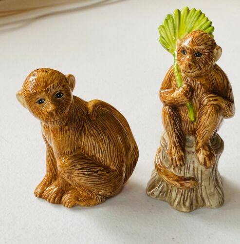 Adorable Mama and Baby Monkey Salt & Pepper Shakers