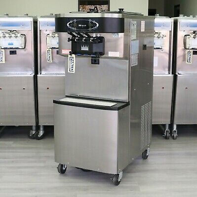Taylor C713 Soft Serve Frozen Yogurt Machine 2012 3 Phase Water Cooled