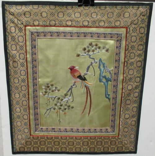 SMALL CHINESE BIRD SILK EMBROIDERED TAPESTRY UNSIGNED