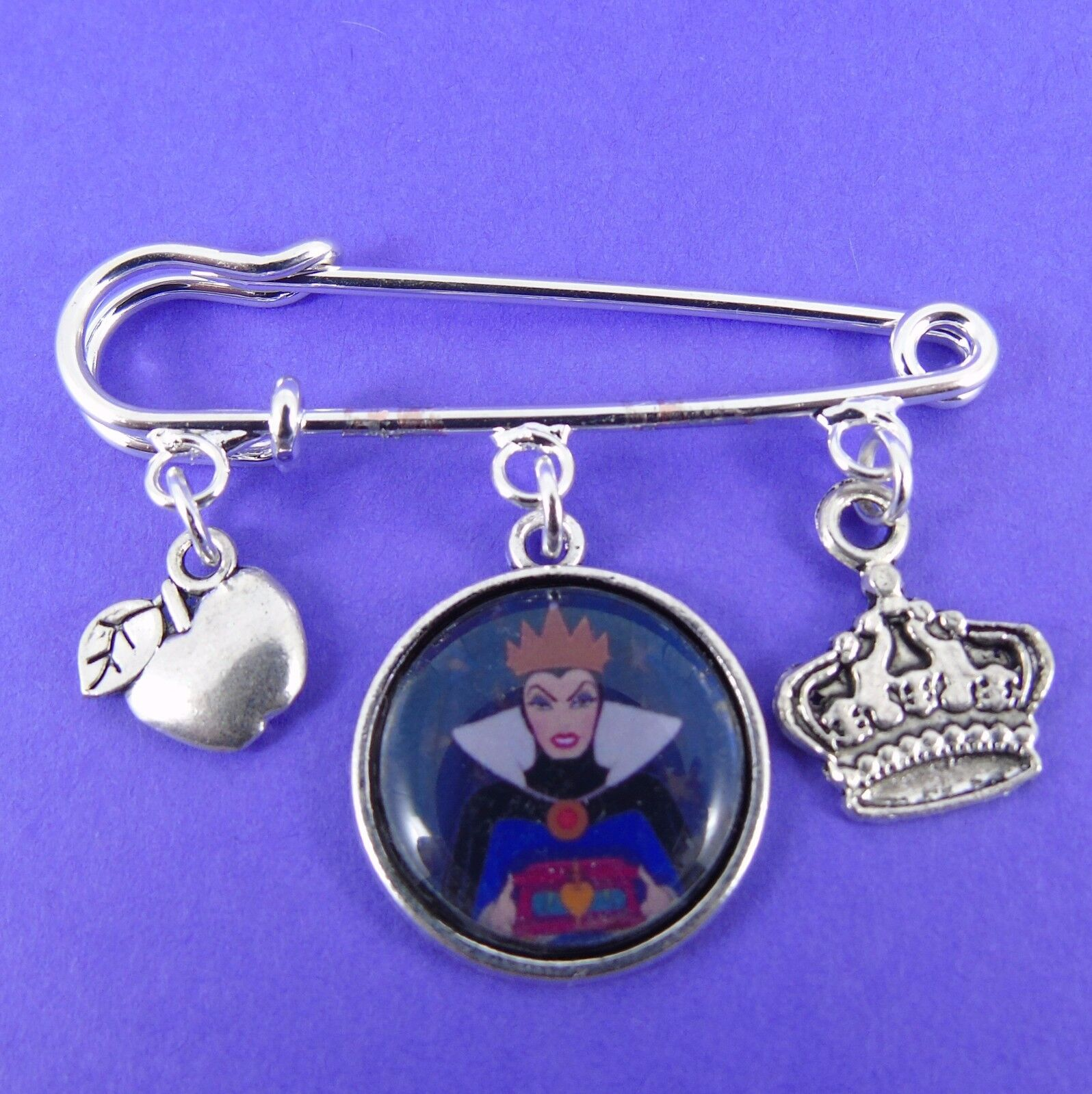 WICKED WITCH KILT PIN BROOCH evil queen disney villains snow white poison apple