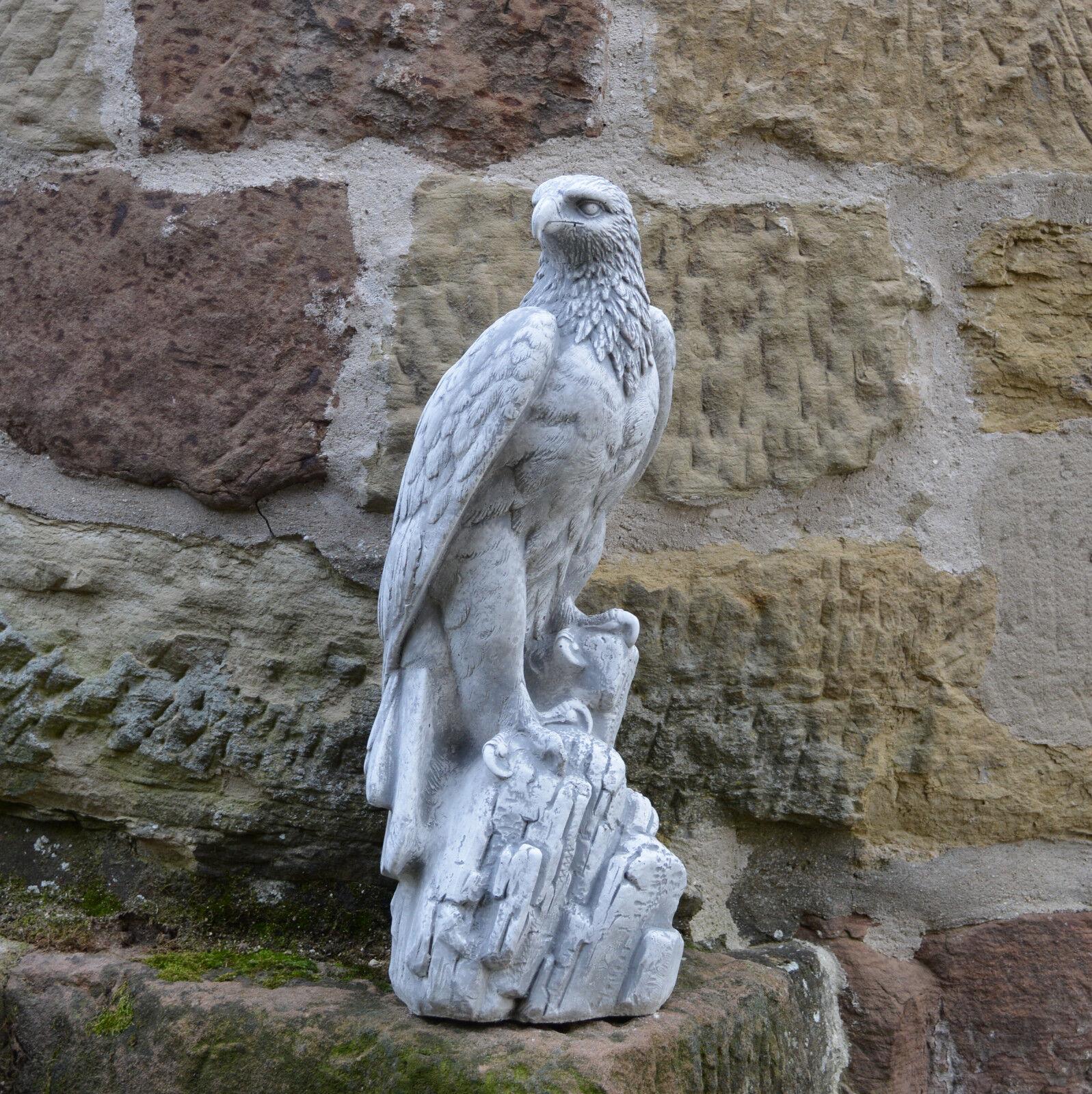 Massive Steinfigur Stein Adler Farbe antik Vogel Gartendeko Steinguss frostfest