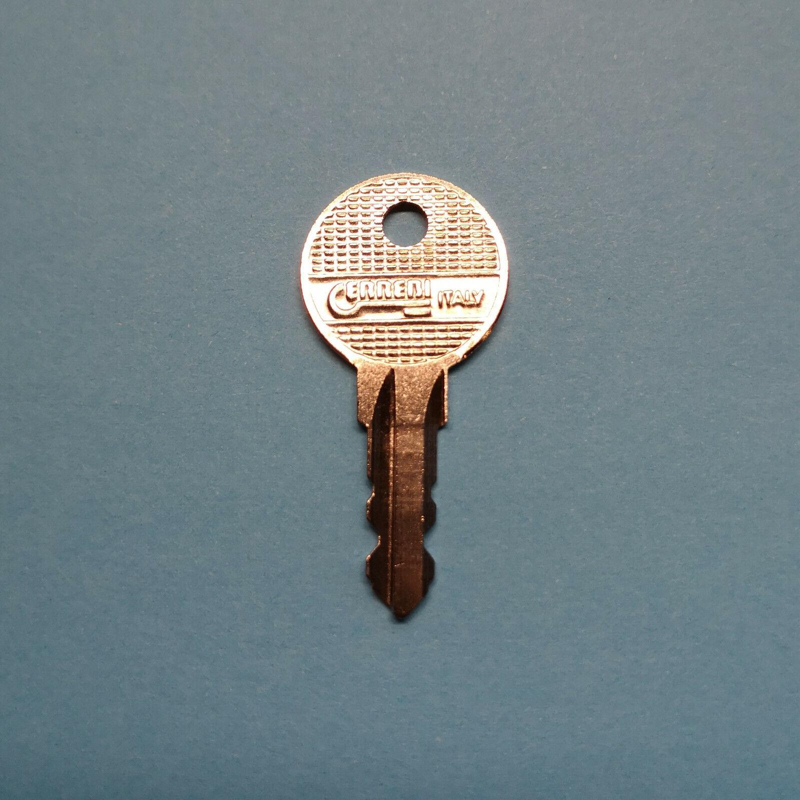 Ersatzschlüssel Y002 für Fahrradträger Systeme Schlüssel