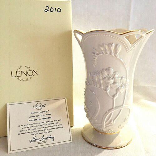 Lenox Mothers Day 2010 Ltd Edition Freesia Vase 24K Gold Trim Orig Box w Cert