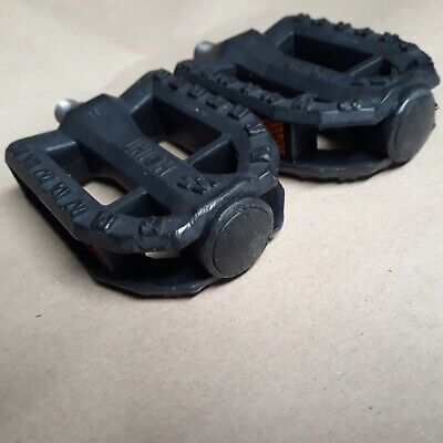 "New Bicycle PVC Pedals 607 1//2/"" Black"