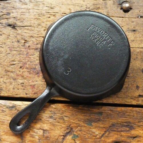 Vintage FAVORITE PIQUA WARE Cast Iron SKILLET Frying Pan # 3  - Ironspoon