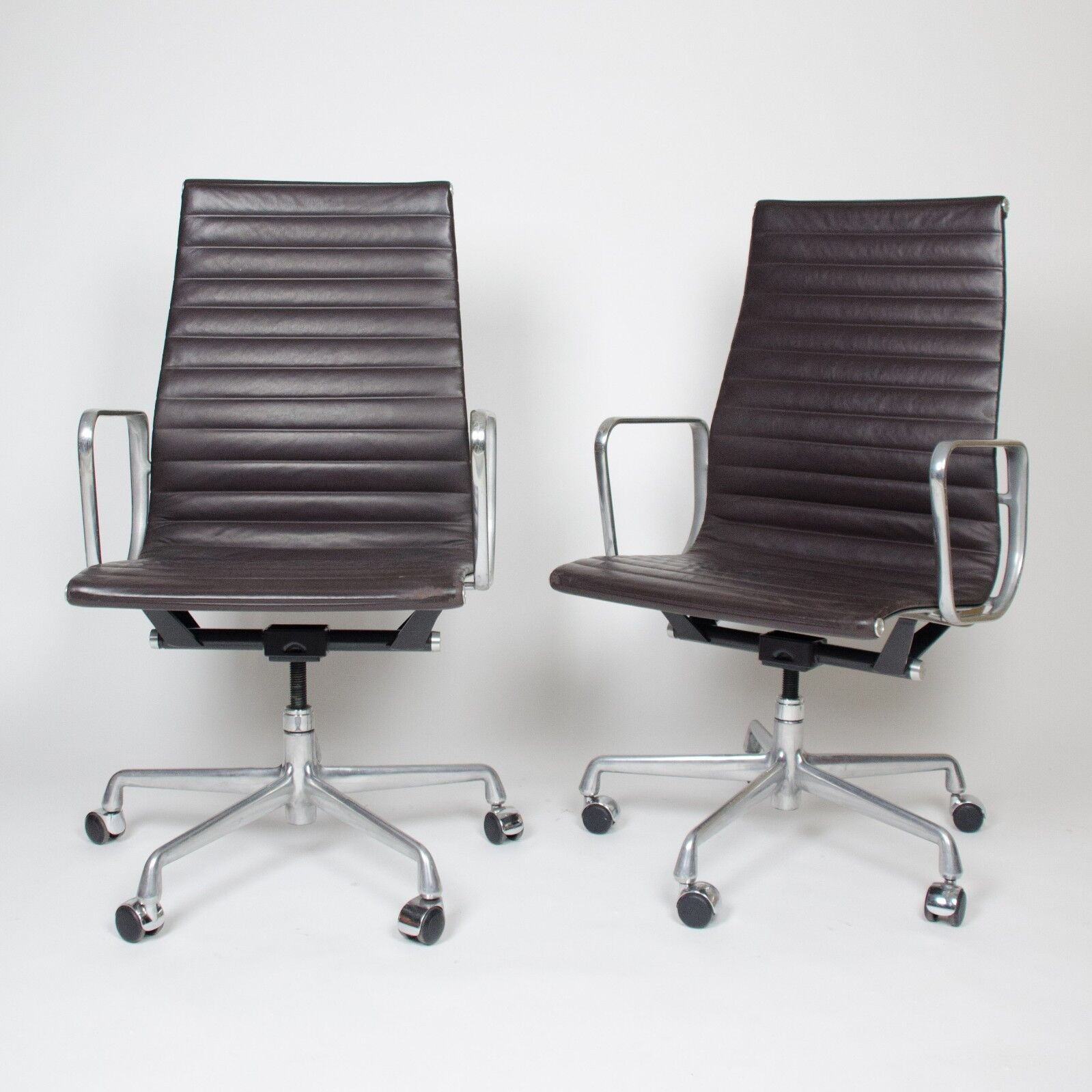 Eames Herman Miller Aluminum Group Executive Desk Chairs Black Fabric 7 Avail