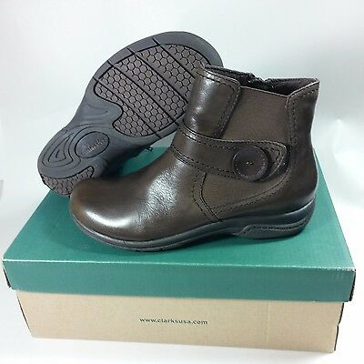 1769de1c32997 NICE Women s Clarks Side Zip Ankle Chris Ava Brown Leather Boots-5 M