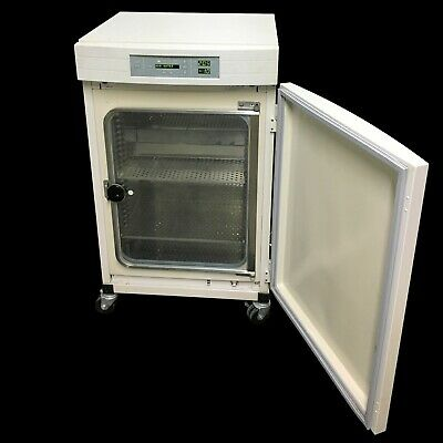 Thermo Forma 3120 Co2 Water Jacketed Incubator Wshelves