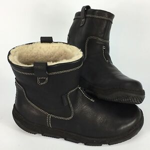 Men's Clark's winter boots Waterproof Leather size 9 shearling