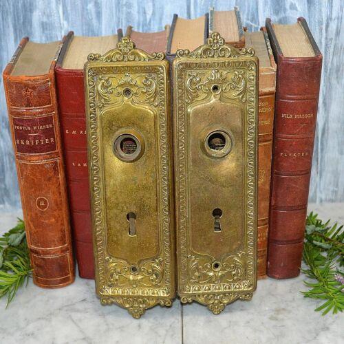 Antique Pair Brass Door Knob Keyhole Plates Ornate Design Backplates Hardware