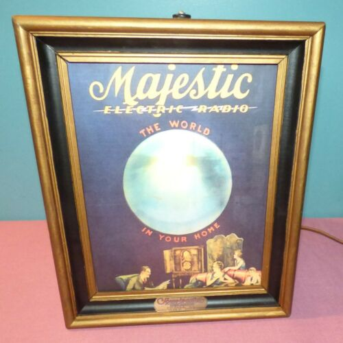 Majestic Electric Radio Lamp, Scene in Action - Reproduction Motion Lamp, Read
