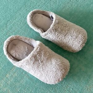 Room shoes / slippers