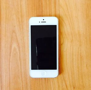 iPhone 5 for Sale (white 16G)