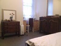 FLATSHARE all inclusive Double room for FEMALE professional W14- Barons Ct/West Kensingt/Hammersmith
