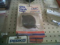 OMC 388938 GAS TANK CAP UNVENTED FOR 3 AND 6 GALLON METAL TANKS