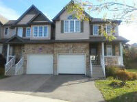 beautiful house in Laurelwood for rent to a group of 4 students