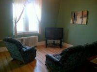 LARGE 1 BEDROOM UPTOWN EVERYTHING INCLUDED $650