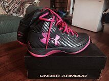 brand new never worn under armour basketball shoes SIZE 9